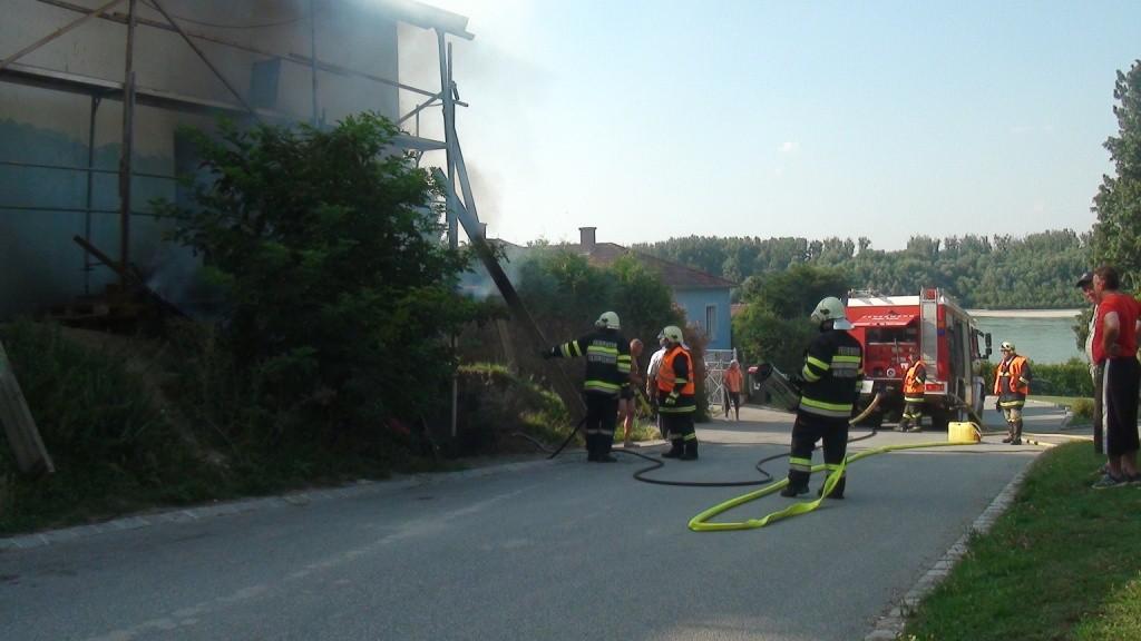 150805 Wohnhausbrand Wildungsmauer (1)