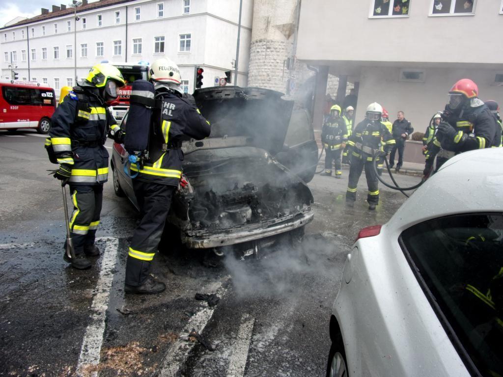 160515 Fahrzeugbrand (2)
