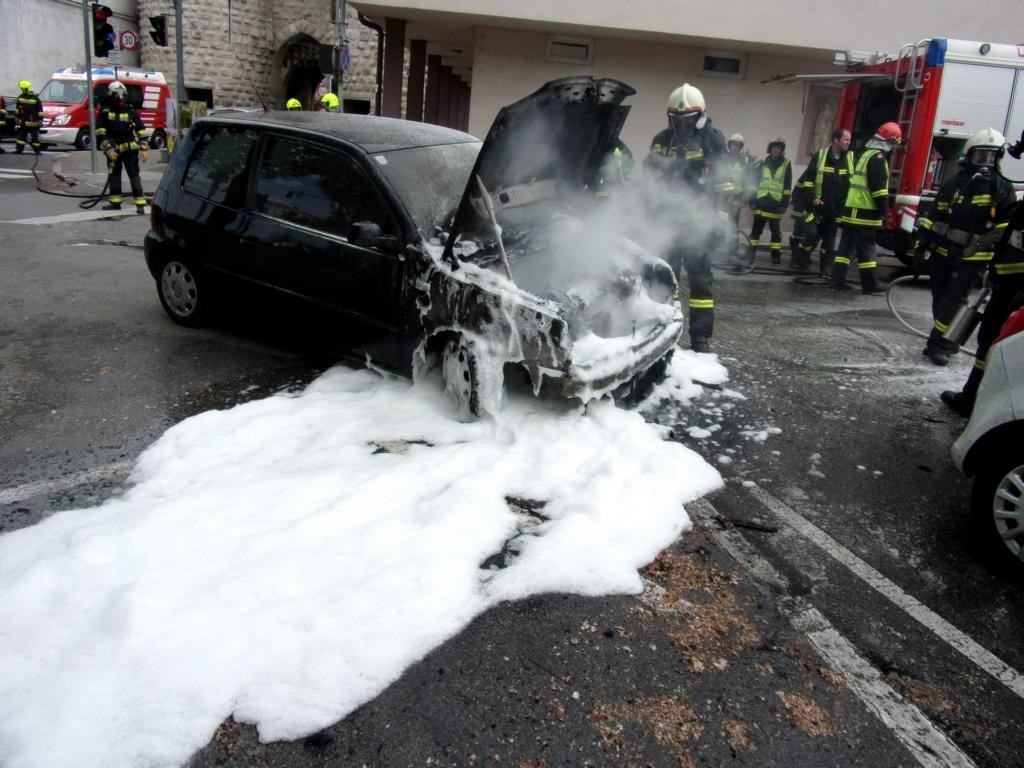 160515 Fahrzeugbrand (5)