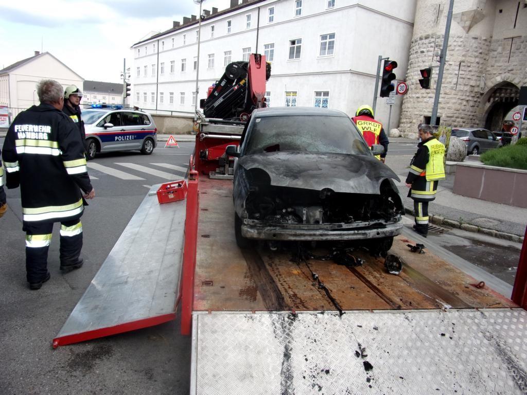 160515 Fahrzeugbrand (8)